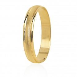 Alianza de boda en oro...